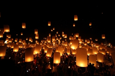 Loi-Krathong-Lantern-Festival-Thailand